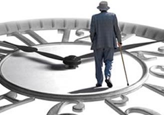 hombre con bastón camina sobre reloj